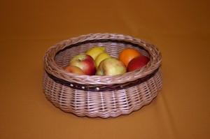 D.2..kerek-asztali-kinalo-kosar