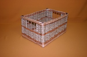 fonott-doboz-gyekenybol